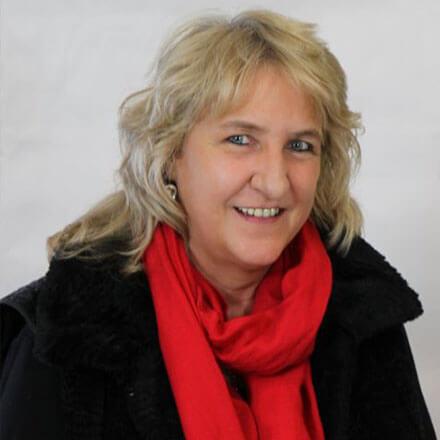 Angela Holtze